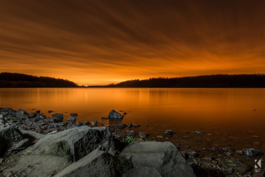 Thruscross reservoir at night