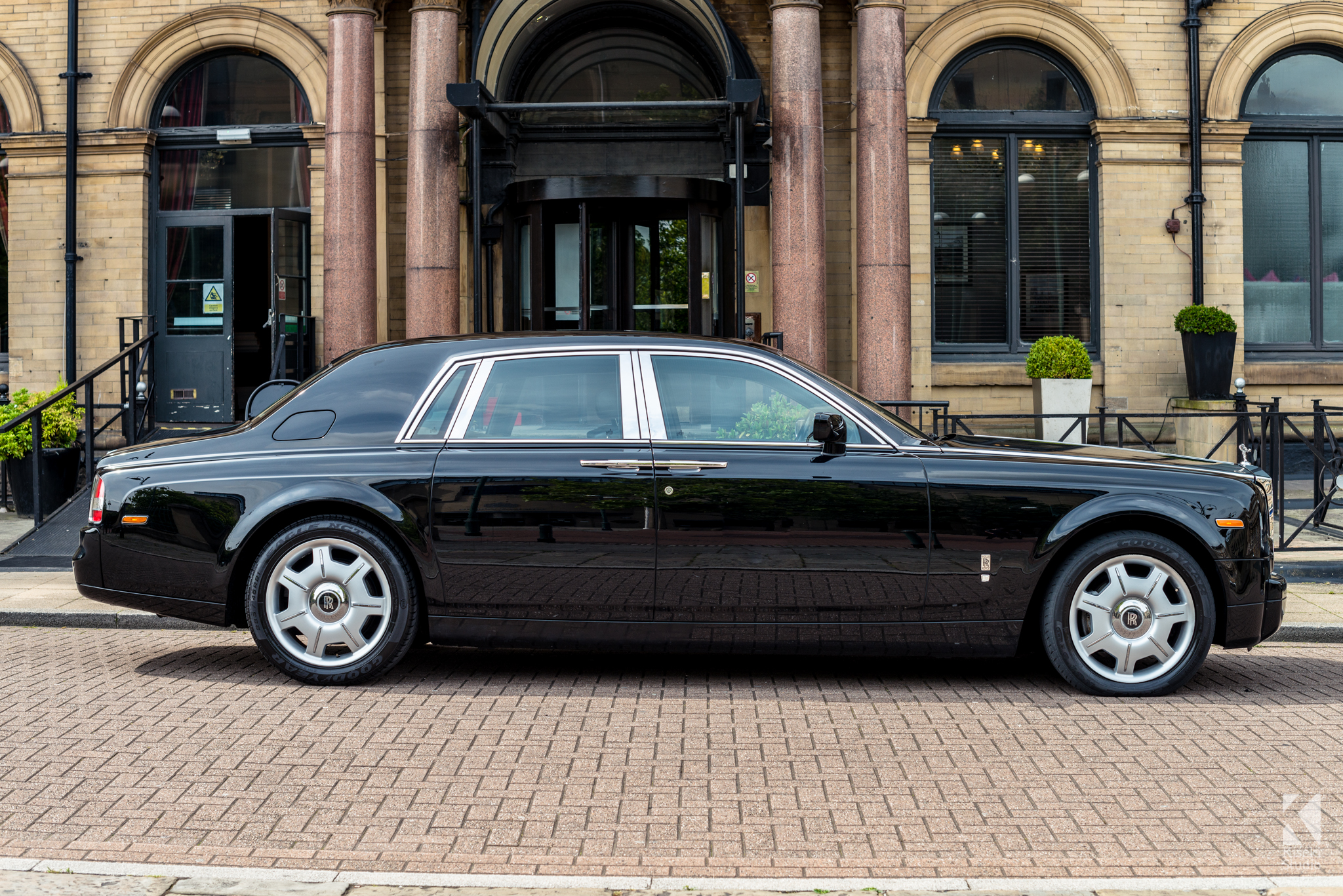 Rolls Royce Phantom In Black Kiseki Studio