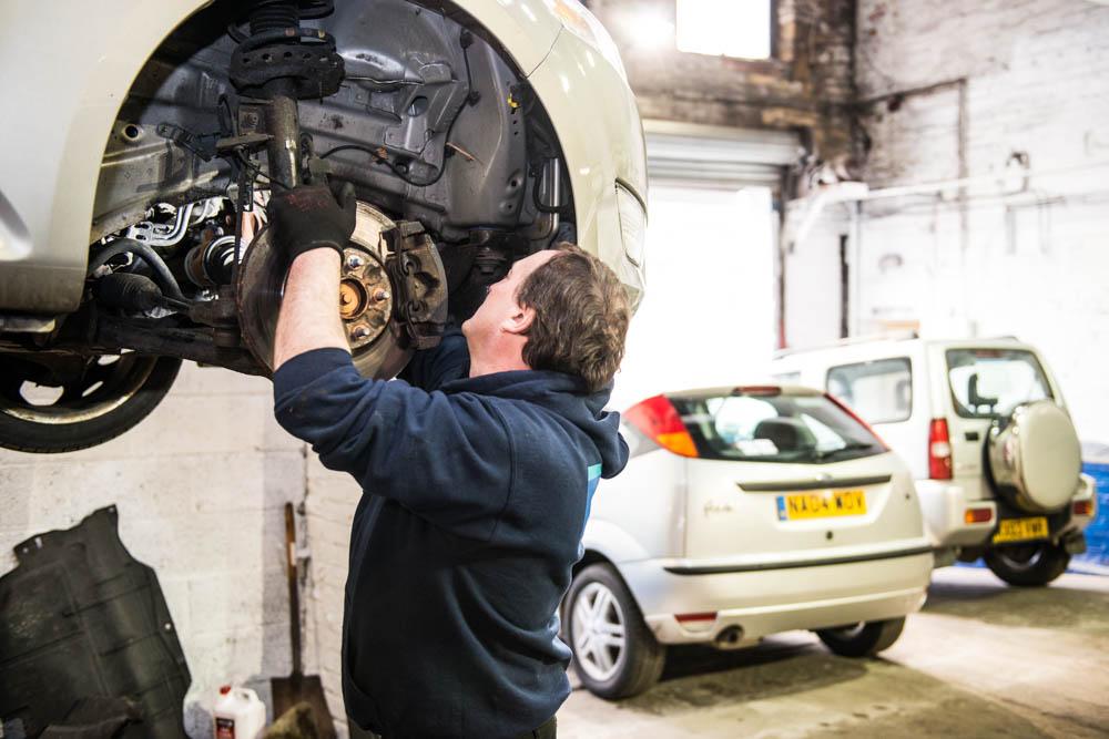 servicing-brakes