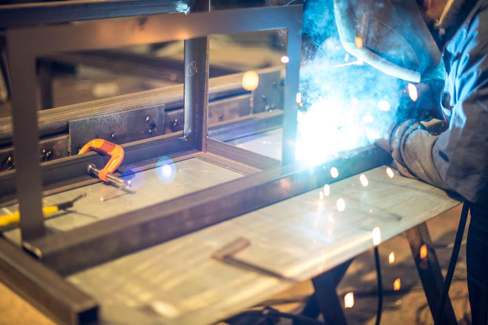 tfe-steel-welding-light