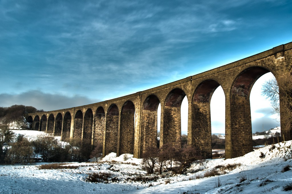 Hewenden Viaduct in winter