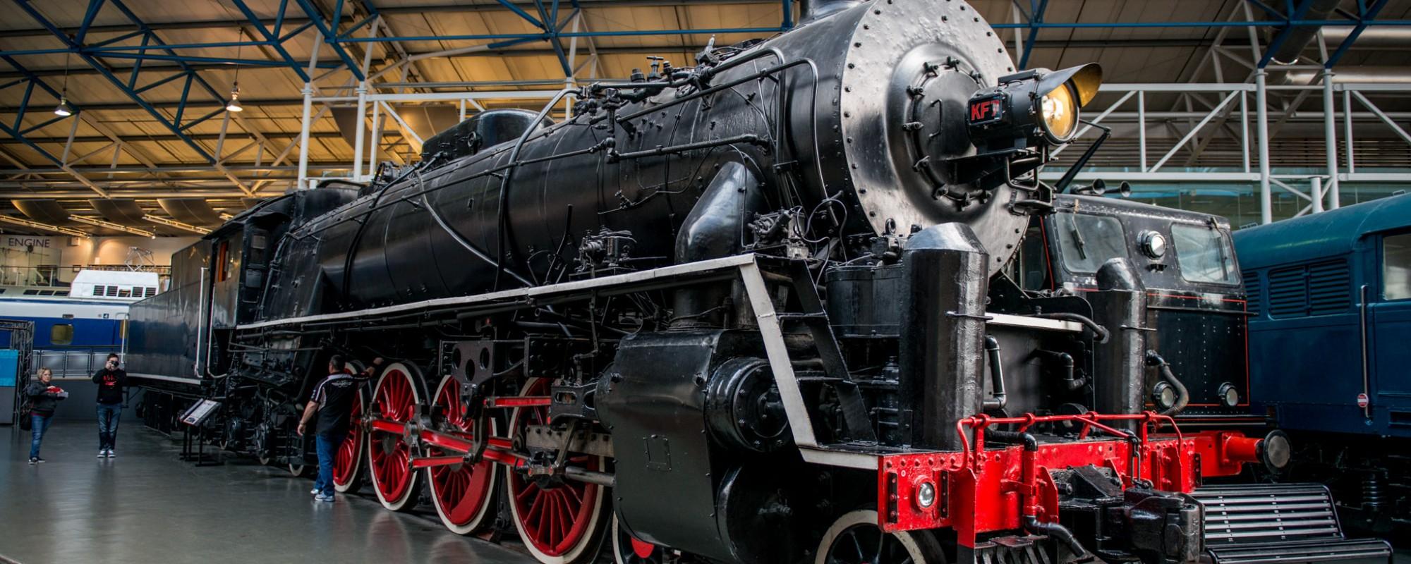 Chinese Government Railways Steam Locomotive 4-8-4 KF Class No 7