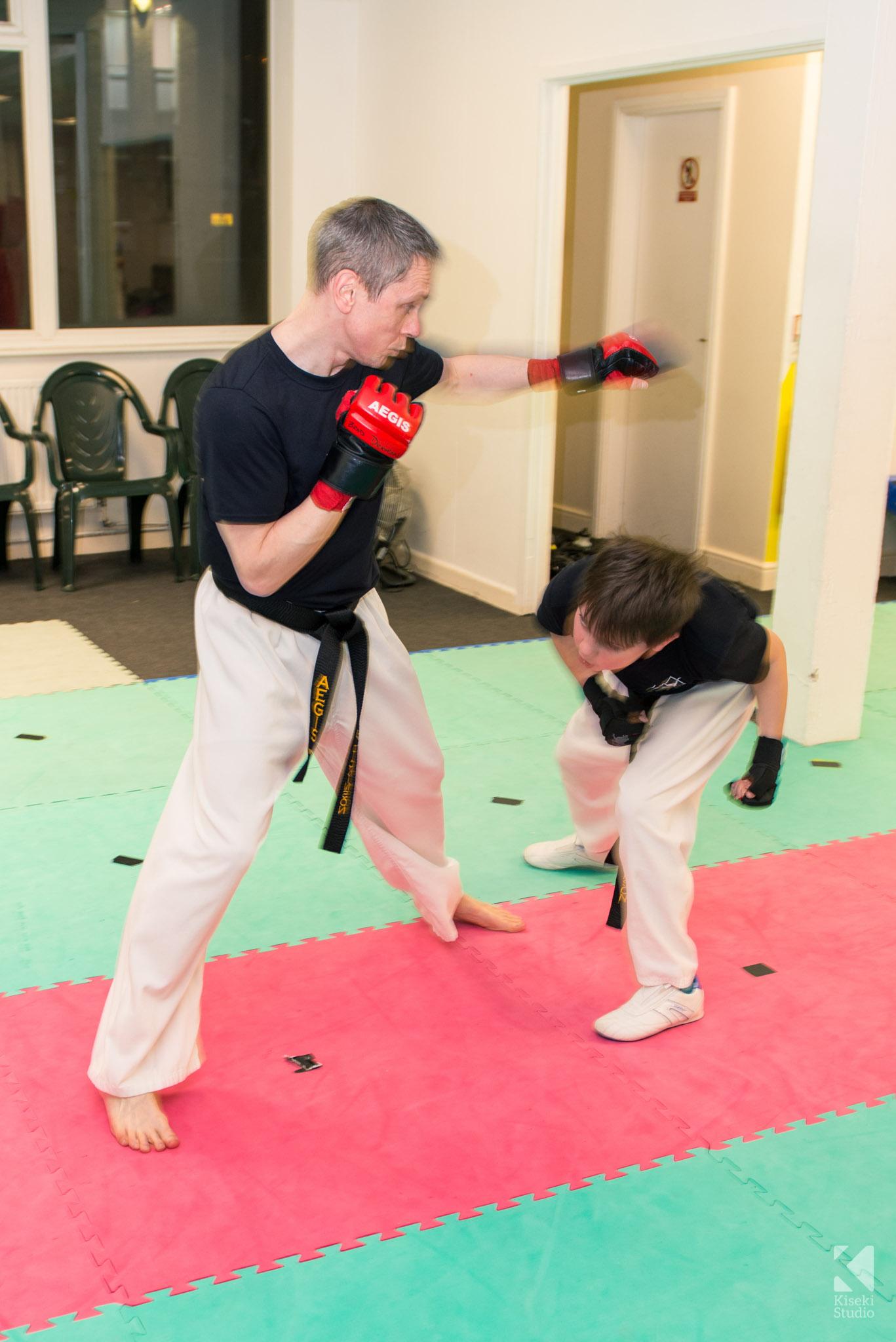 aegis-martial-arts-class-leeds-dodging-punch