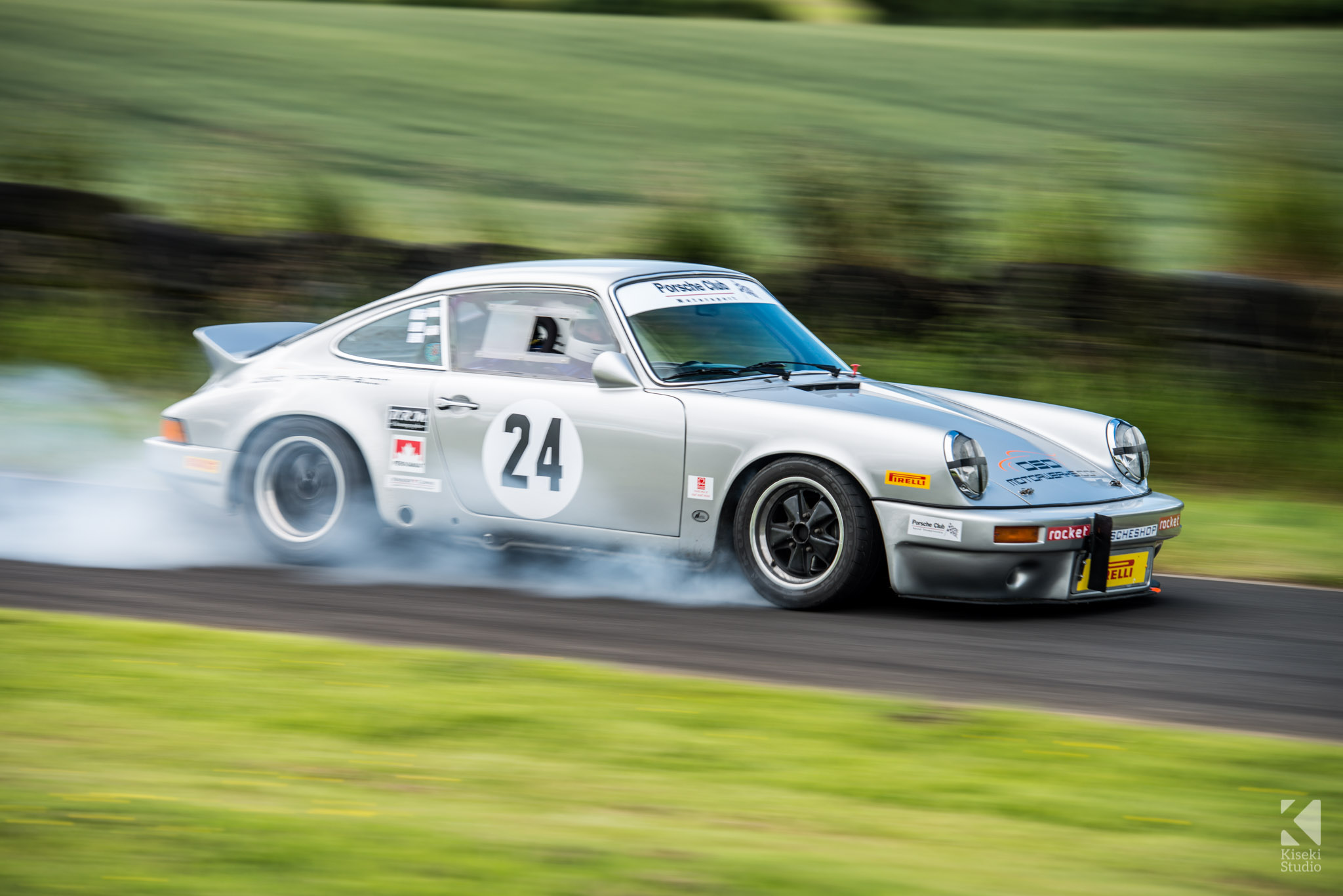 porsche-911-carrera-930-harewood-speed-hillclimb-braking-locked-up
